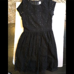 H&m divided black lace short sleeved dress size 8